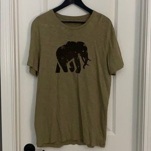 Banana Republic elephant logo shirt